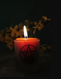 White magic candle (1)