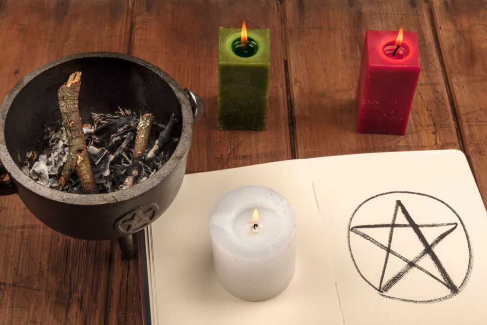 The Magic Power of Candles in Love Spells